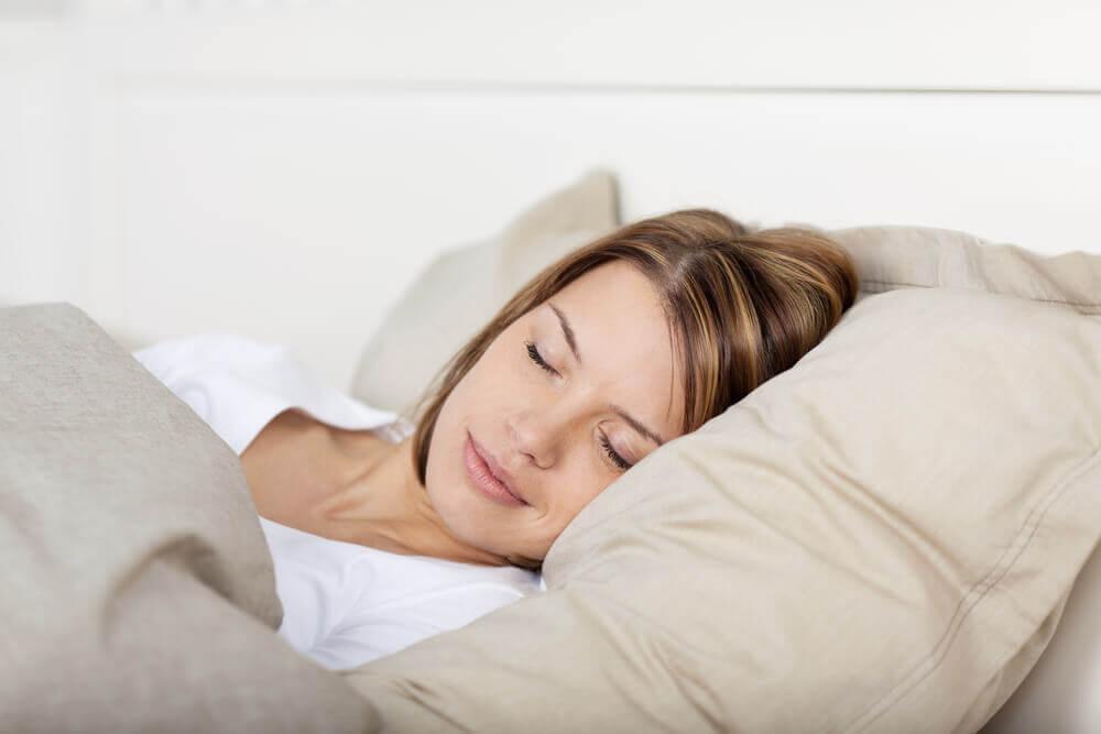 5 dicas para esquentar a cama nas noites frias! | Blog Americanflex
