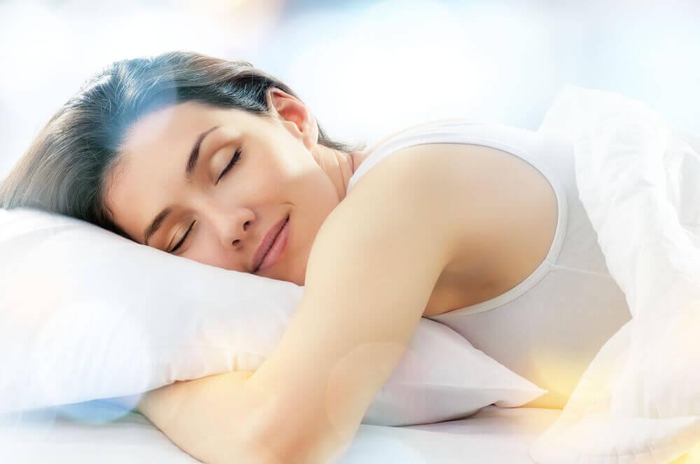 Mulher Dormindo em um americanflex